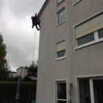 Arbeiten an Hausfassade