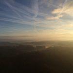 Morgens auf einer Windkraftanlage