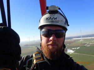 Außen in 130m Höhe an einer Windkraftanlage